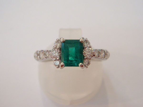 21917_Emerald-Diamond