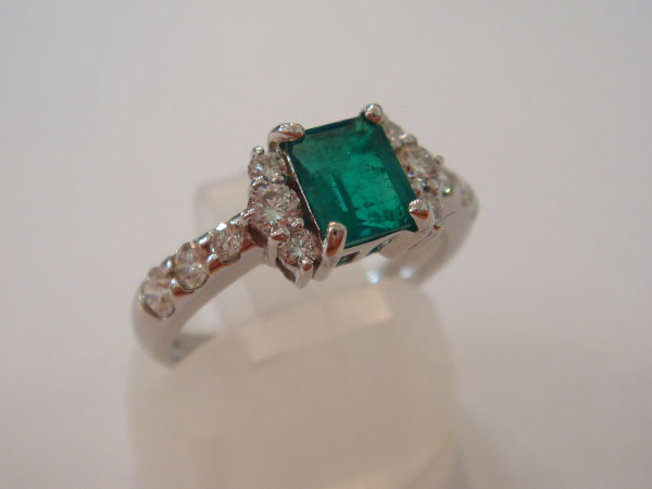 21917_Emerald-Diamond_1