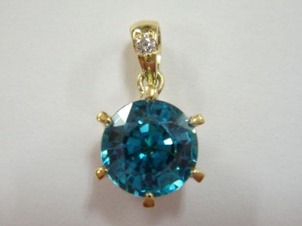 373600_BlueZircon-Diamond