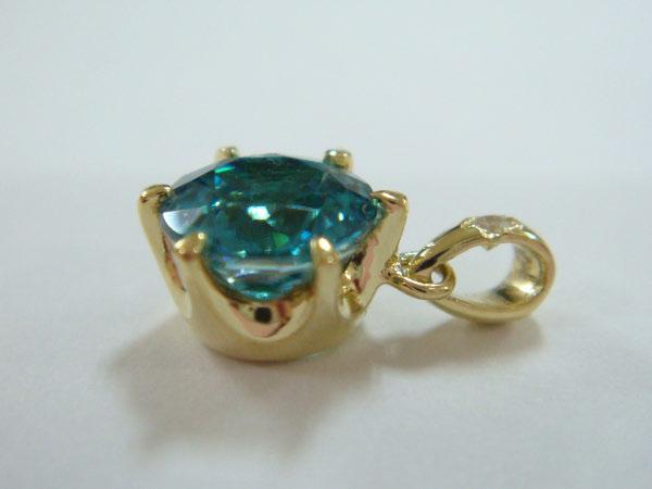 373600_BlueZircon-Diamond_1