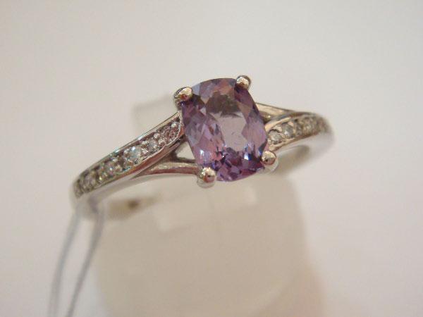 JC2501-7056373_Taaffeite-Diamond