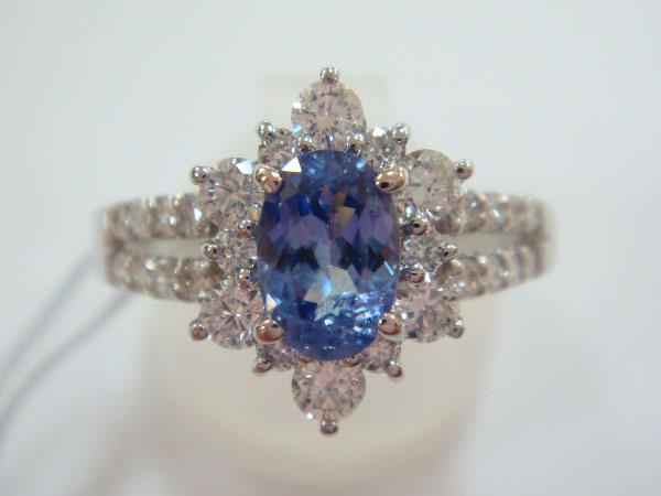 JIW130-7065717_Benitoite-Diamond_1